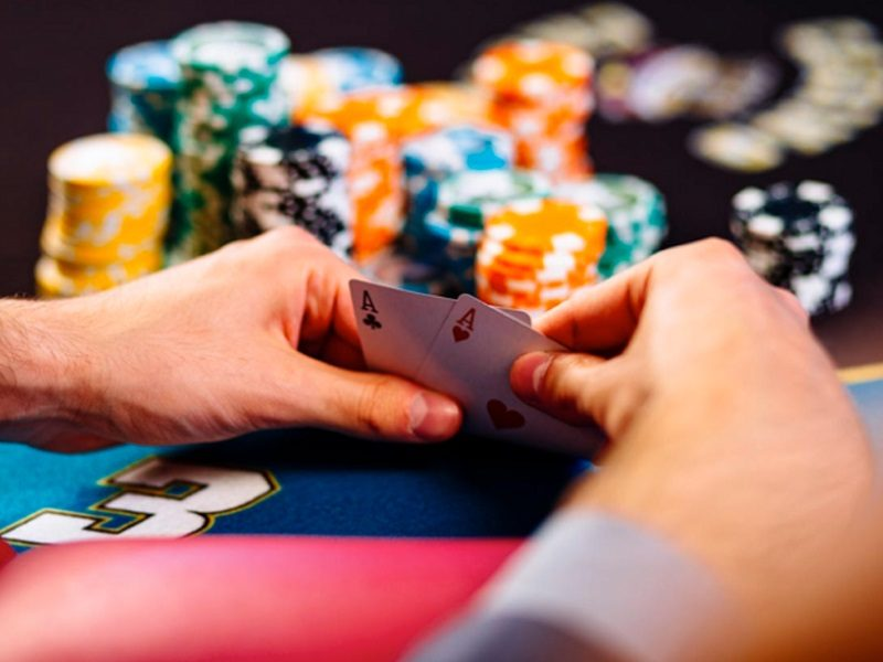 Teaching poker to beginners
